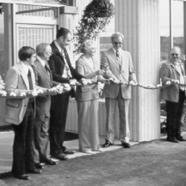 Bordine's Ribbon Cutting Ceremony